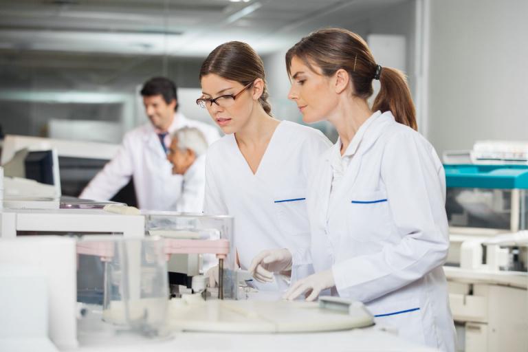 onderzoekers in lab.jpg